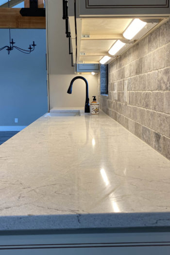 Kitchen Remodeler in Lakeway with countertops and cabinet lighting